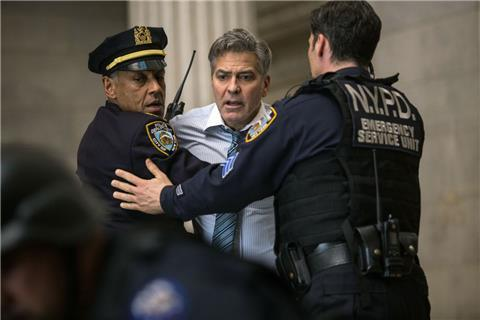 "George Clooney spielt in dem Kinofilm ""Money Monster"" die Hauptrolle."