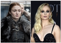 "Lebt seit zehn Jahren in zwei Welten: Sophie Turner als Sansa Stark in der Fantasy-Saga ""Game of Thrones"" (links) und bei der letzten Premiere zur Serie  in New York."