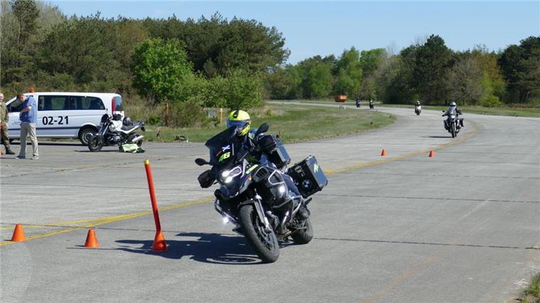 motorradfahrer kennenlernen)